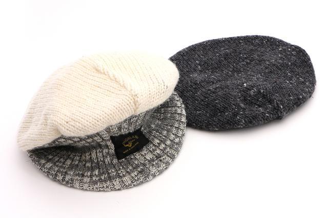 画像: 置くとベレー帽に見える形も面白い。オフホワイト×グレー、チャコールグレー×ブラックの2色をご用意。