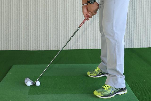 画像: ボールを打つ意識が手元を浮かせる理由