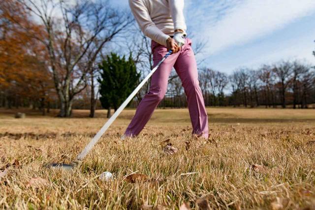画像: ほどよくボールが浮いているので多少アバウトなインパクトでもボールが飛んでいってくれます