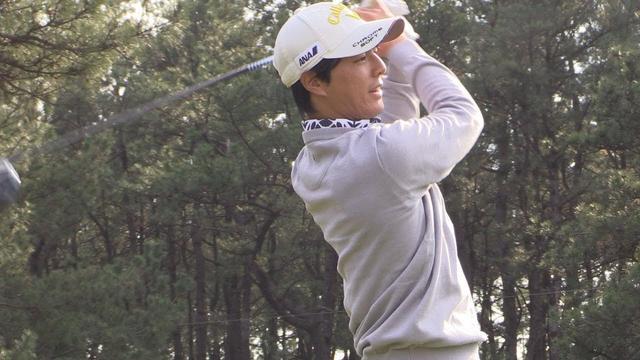 画像: EPIC(エピック)より飛んだっ!石川遼がキャロウェイの新ドライバーを打った! www.youtube.com