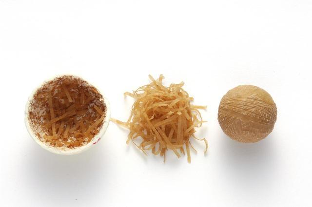 画像: 糸巻ボールはその設計上均一に作る精度は現在のソリッドボールよりも劣っていた