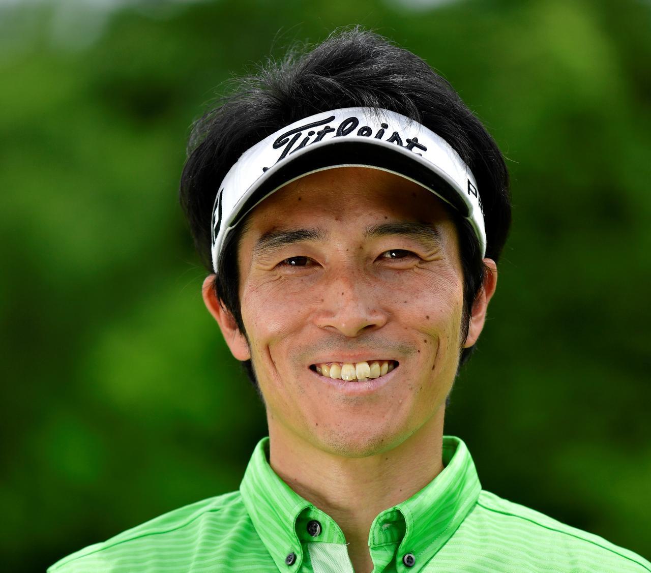 画像: 父である故・若林貞男プロが提唱した伝説のゴルフレッスン「Z打法」の後継者、若林功二