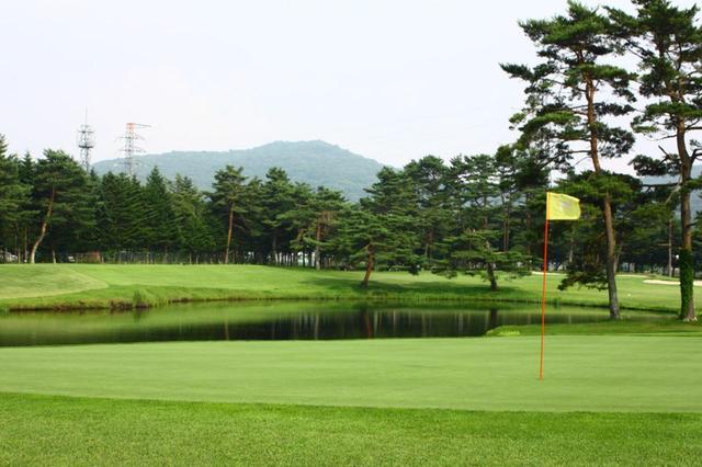 画像1: ゴルフに買い物、よくばり女子の天国!?