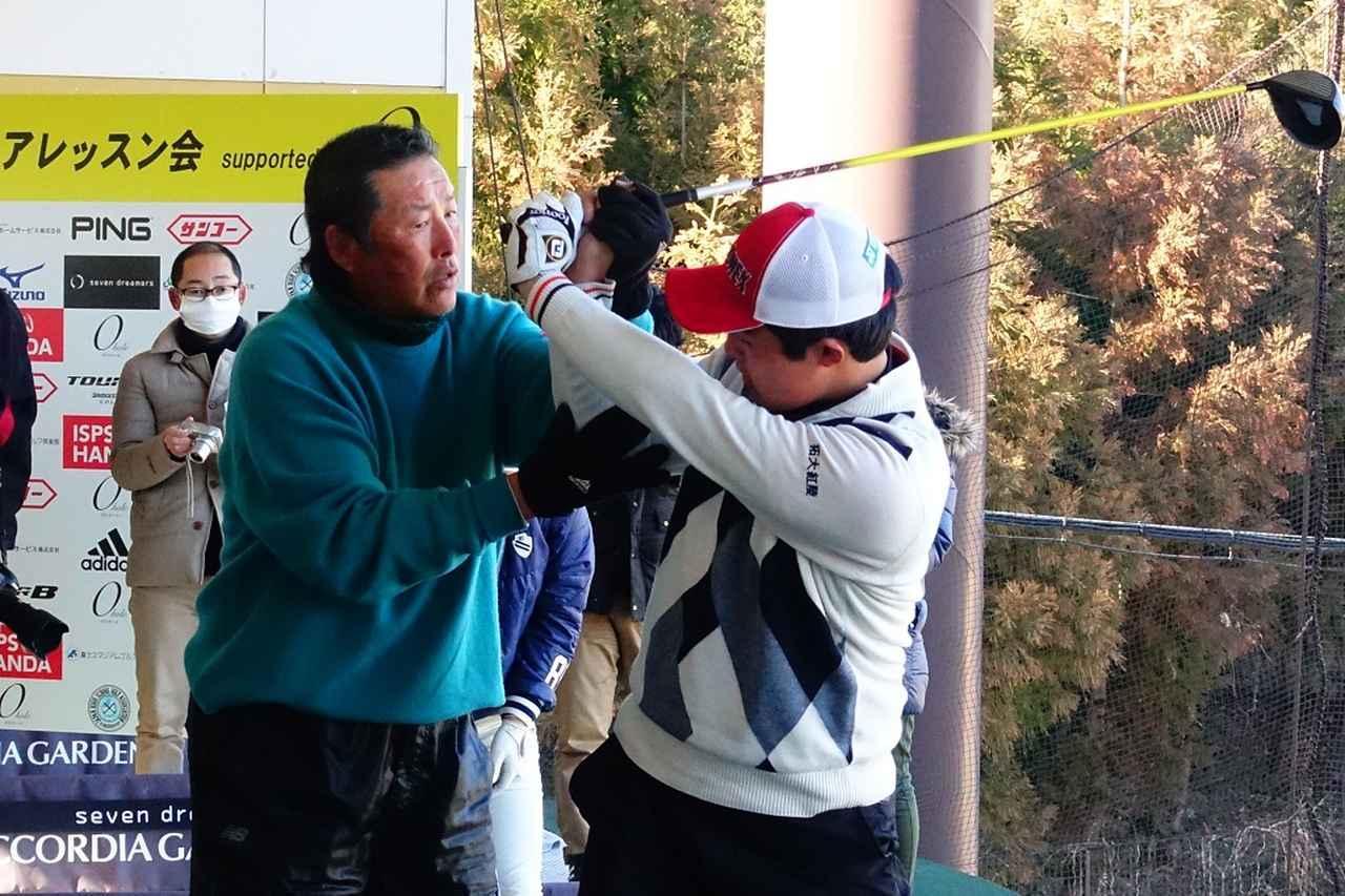 画像: ジュニアレッスン会を催すなど、尾崎は後進の育成に積極的な姿勢を見せ続けている