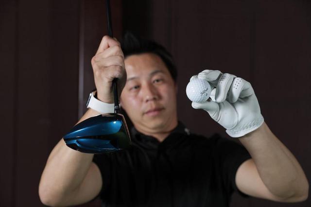 画像: 新小岩にあるPGST(パフォーマンスゴルフスタジオ)の堀口プロは打出し角の高さとスピン量の少なさに驚いた(計測はフライトスコープを使って3球打った平均の数値)