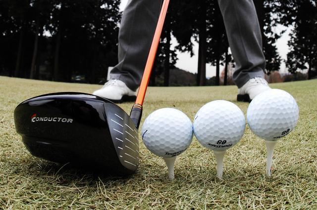画像: ミスを連発したらボール位置を微調整するなどは有効な方法だ