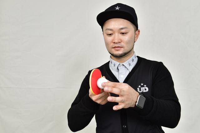 画像: 卓球は打ちたいところに面を向けてボールをとらえることが大事。ゴルフも同じだ