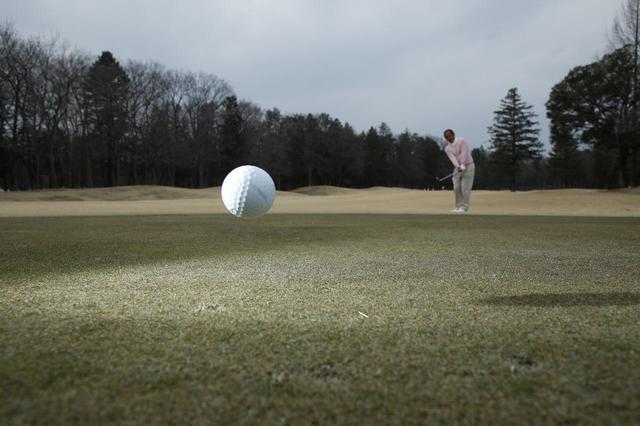 画像: まず、どうやって「入れるか」を考えよう。落とし場所や球筋が鮮明にイメージできるはずだ