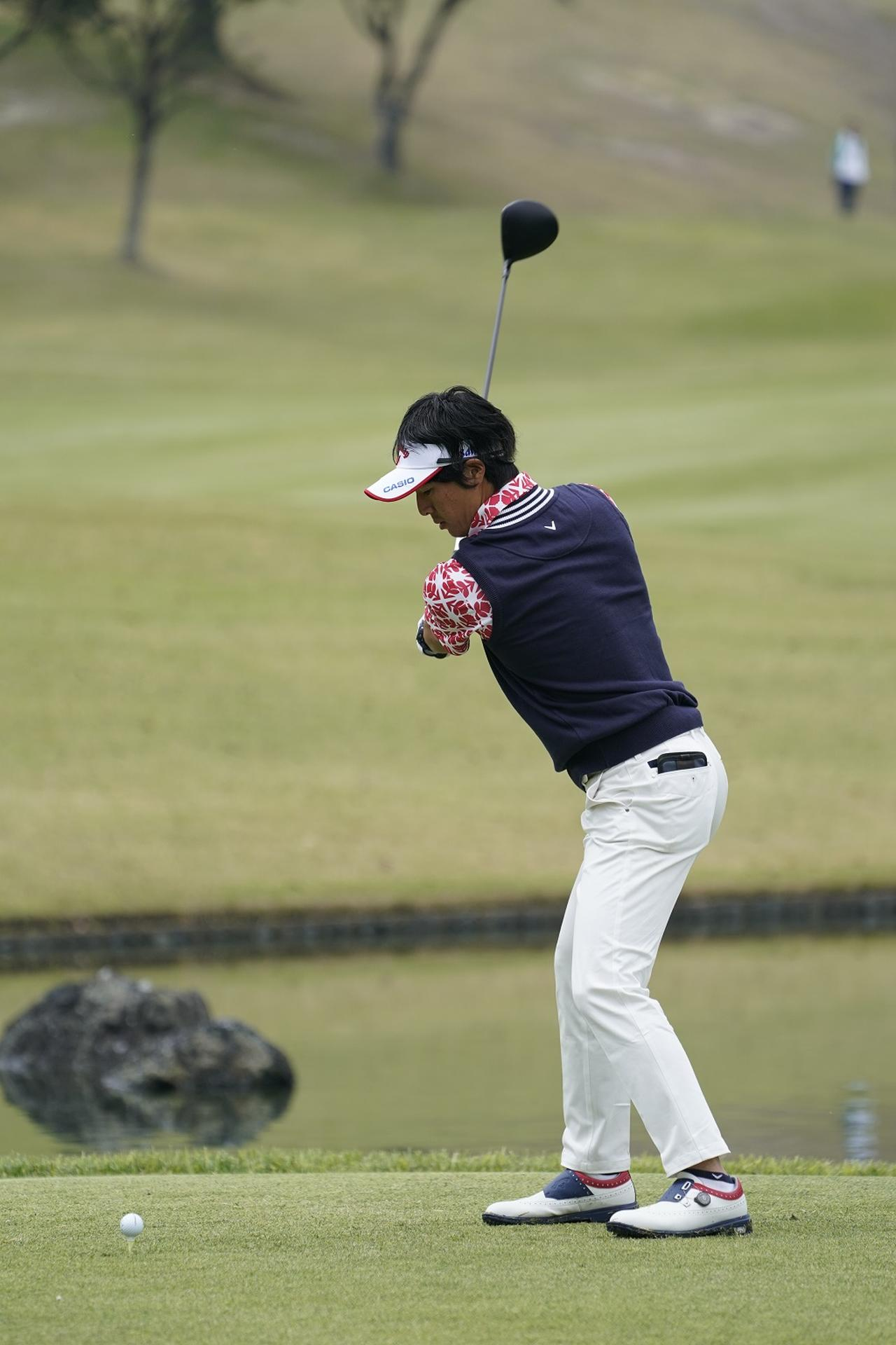 Images : 3番目の画像 - 石川遼ドライバー前方連続写真 - みんなのゴルフダイジェスト