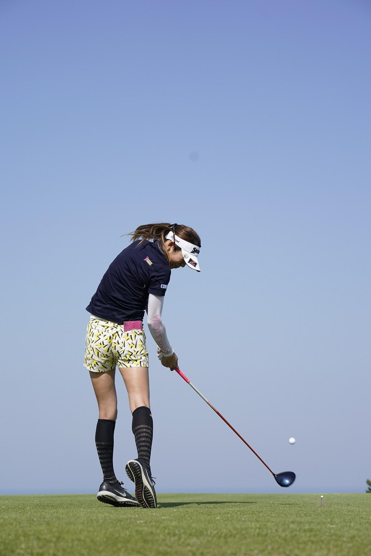 Images : 9番目の画像 - 金田久美子ドライバー後方連続写真 - みんなのゴルフダイジェスト