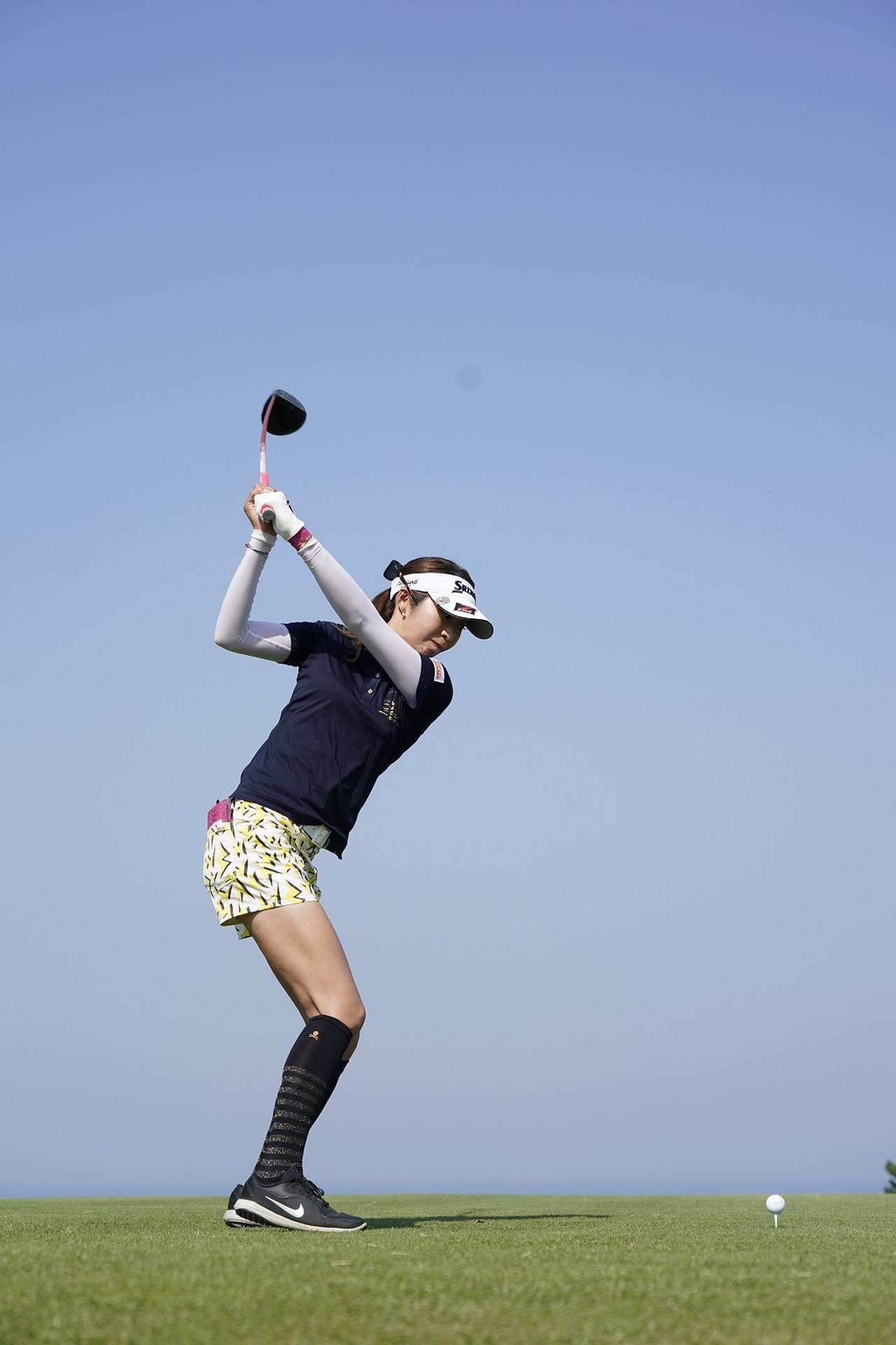 Images : 6番目の画像 - 金田久美子ドライバー後方連続写真 - みんなのゴルフダイジェスト