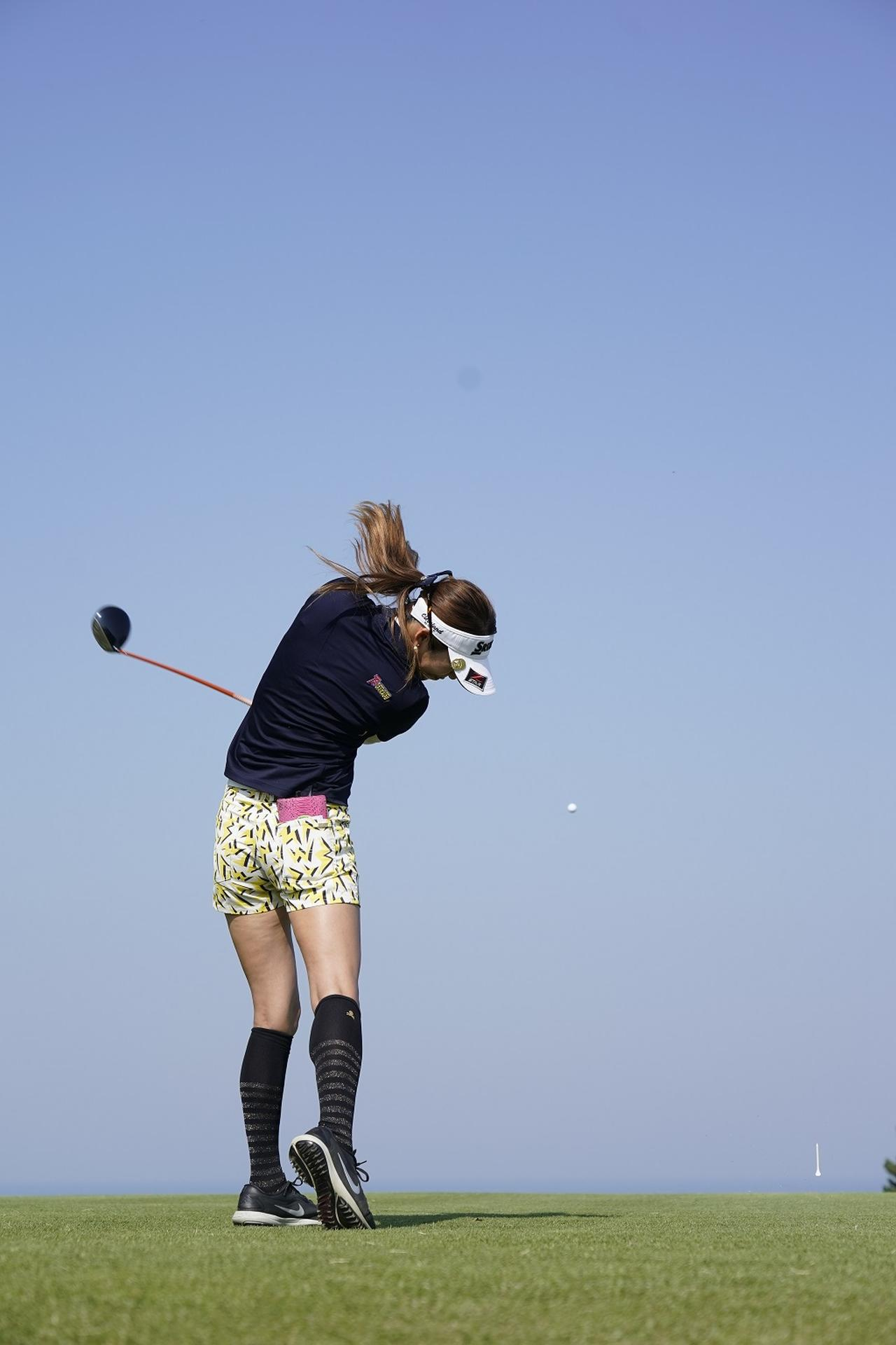 Images : 11番目の画像 - 金田久美子ドライバー後方連続写真 - みんなのゴルフダイジェスト