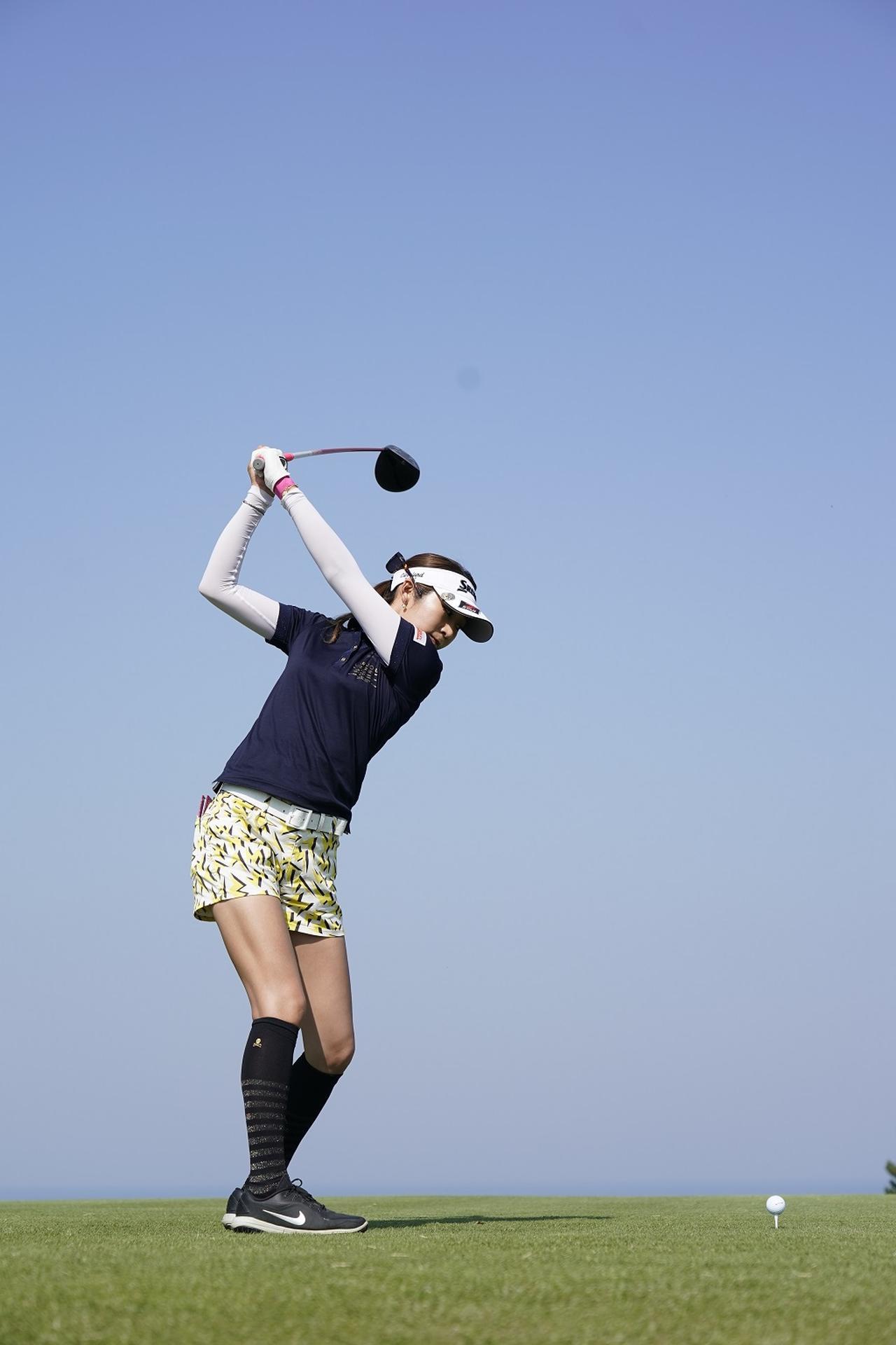 Images : 5番目の画像 - 金田久美子ドライバー後方連続写真 - みんなのゴルフダイジェスト
