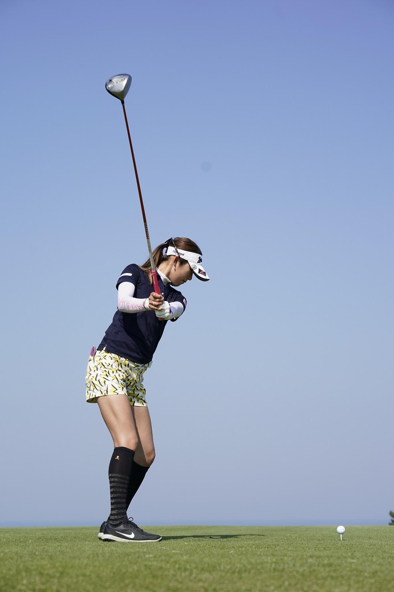 Images : 3番目の画像 - 金田久美子ドライバー後方連続写真 - みんなのゴルフダイジェスト