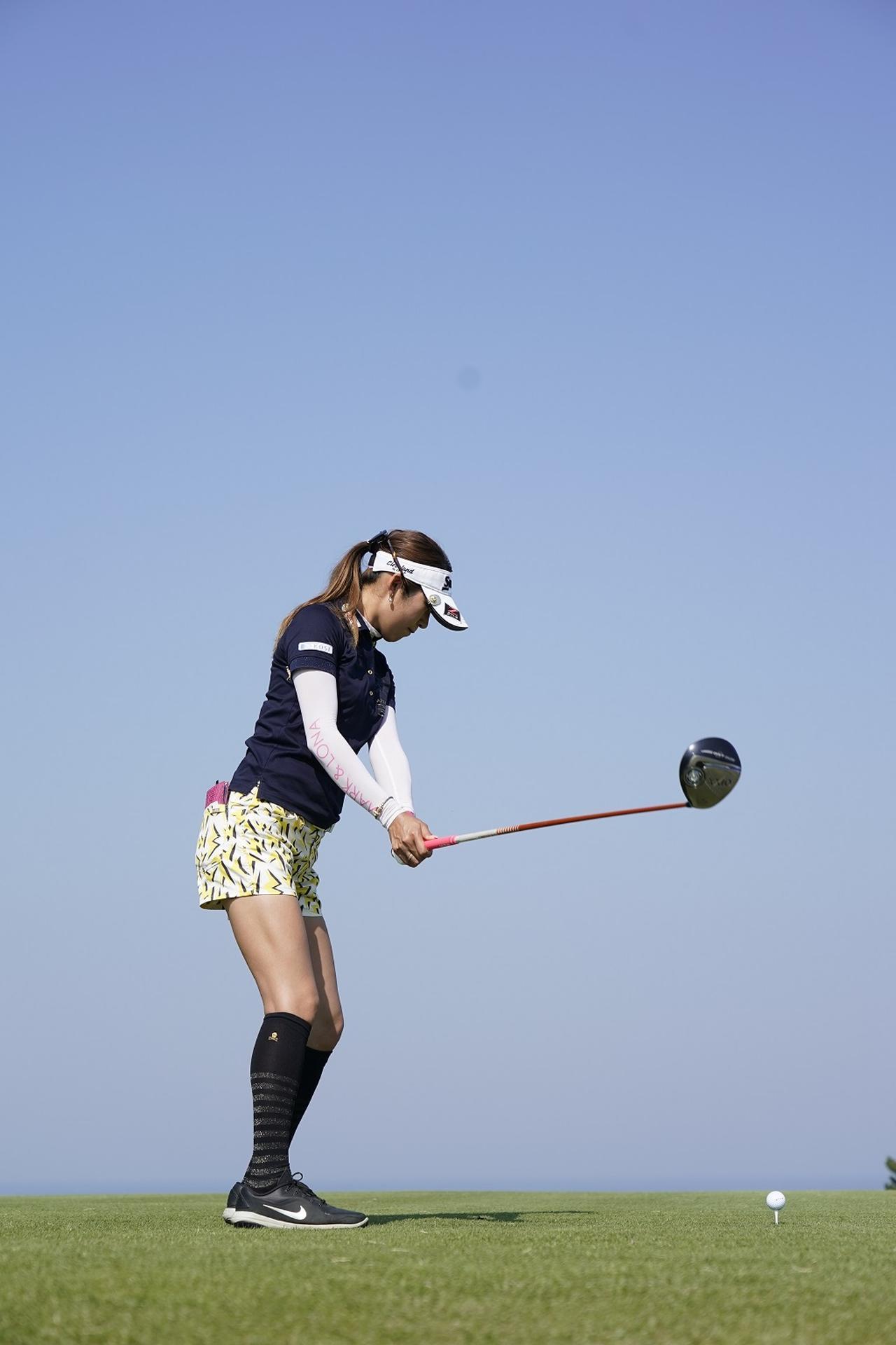 Images : 2番目の画像 - 金田久美子ドライバー後方連続写真 - みんなのゴルフダイジェスト