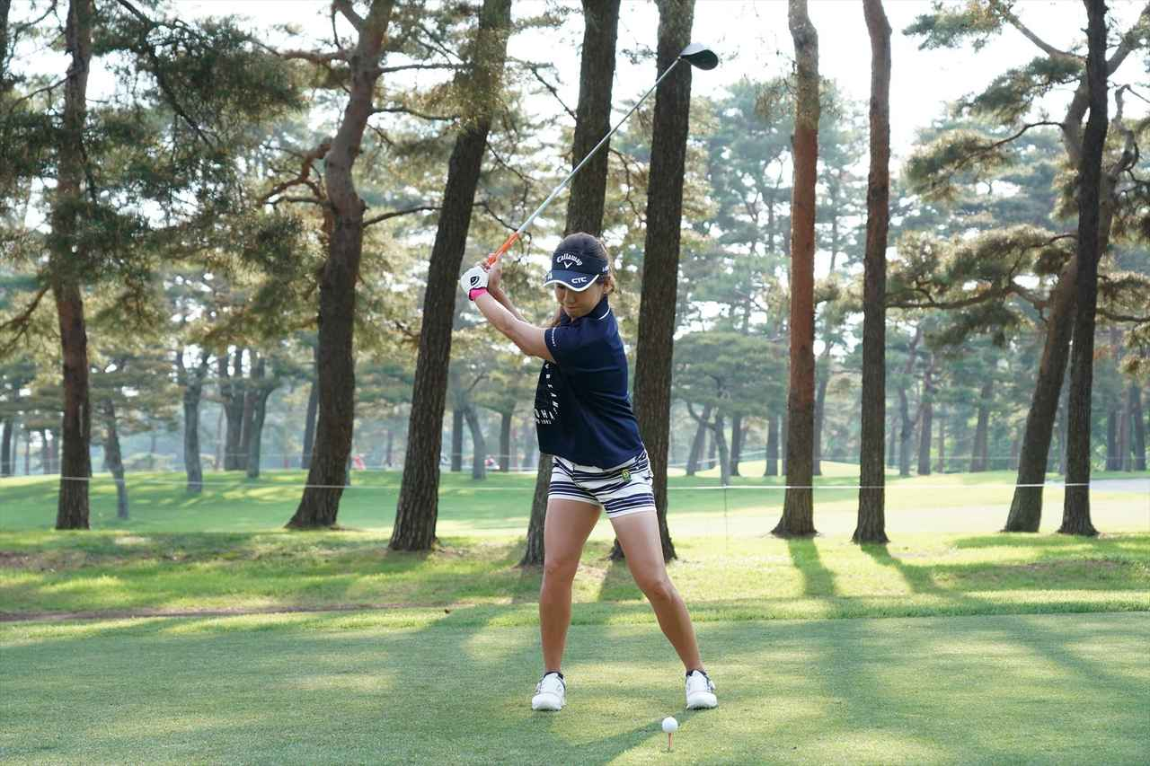 Images : 4番目の画像 - 藤田光里ドライバー連続写真 - みんなのゴルフダイジェスト