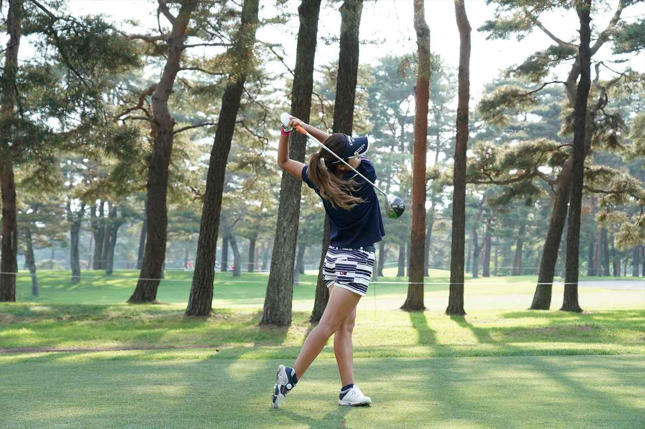 Images : 14番目の画像 - 藤田光里ドライバー連続写真 - みんなのゴルフダイジェスト