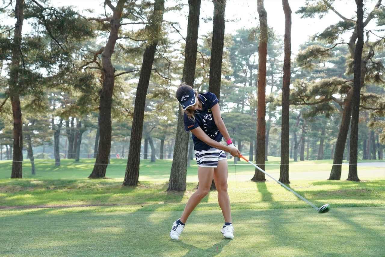 Images : 11番目の画像 - 藤田光里ドライバー連続写真 - みんなのゴルフダイジェスト