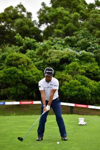 稲森佑貴のドライバー連続写真(写真/2017年の日本プロゴルフ選手権大会)