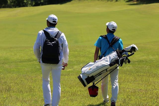 画像: 東大ゴルフ部の練習風景。井上はかつての苦い経験から、不必要な慣例は廃止していったという