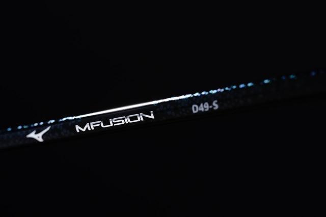 画像: 軽・硬で評価の高いミズノGXの純正シャフト「MFUSION」も、Sで49グラム(撮影/三木崇徳)