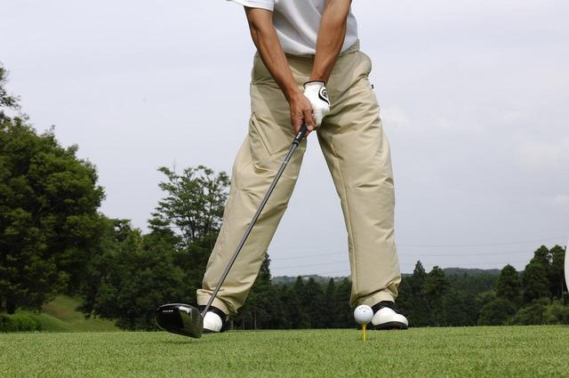画像: 手首をターンさせるのではなく体を回転させる動きが必要だという増田プロ