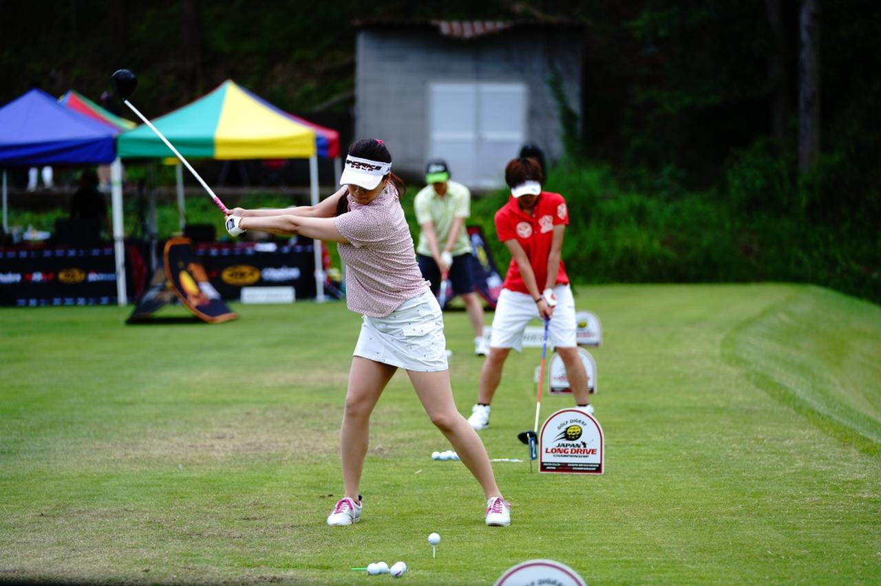 "Images : 4番目の画像 - ""日本一飛ばす受付嬢""林佳世子のドライバー連続写真 - みんなのゴルフダイジェスト"