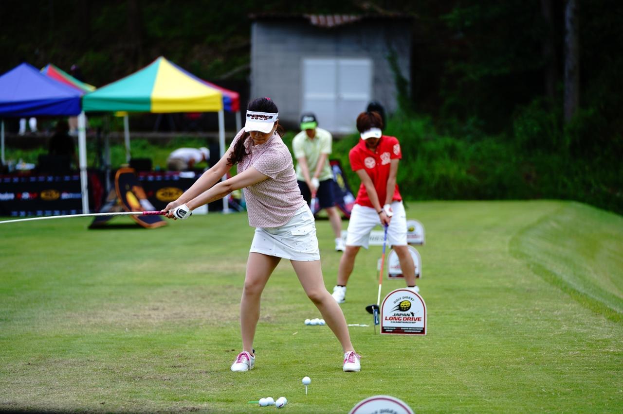 "Images : 3番目の画像 - ""日本一飛ばす受付嬢""林佳世子のドライバー連続写真 - みんなのゴルフダイジェスト"