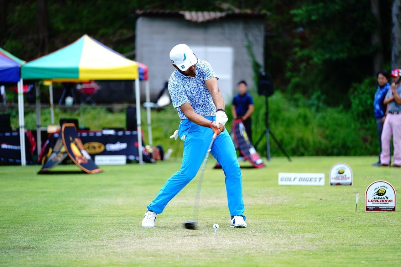 画像: ボールの特性を加味してスウィングを変更したことが功を奏した山崎