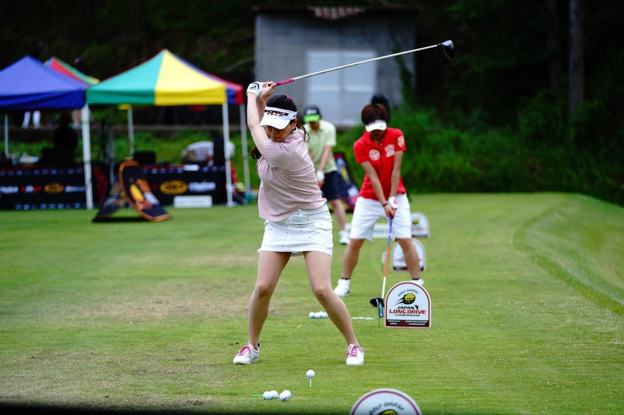 "Images : 9番目の画像 - ""日本一飛ばす受付嬢""林佳世子のドライバー連続写真 - みんなのゴルフダイジェスト"