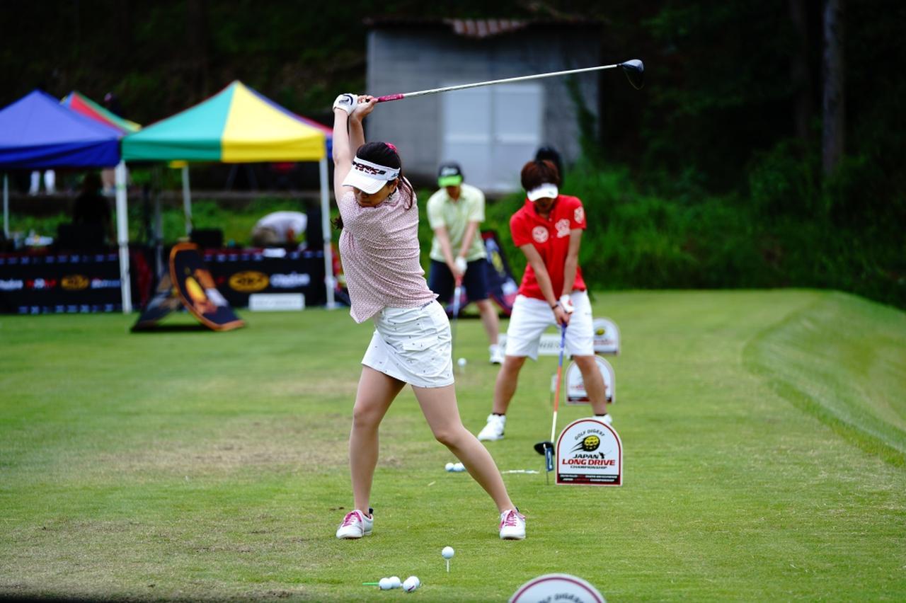 "Images : 6番目の画像 - ""日本一飛ばす受付嬢""林佳世子のドライバー連続写真 - みんなのゴルフダイジェスト"