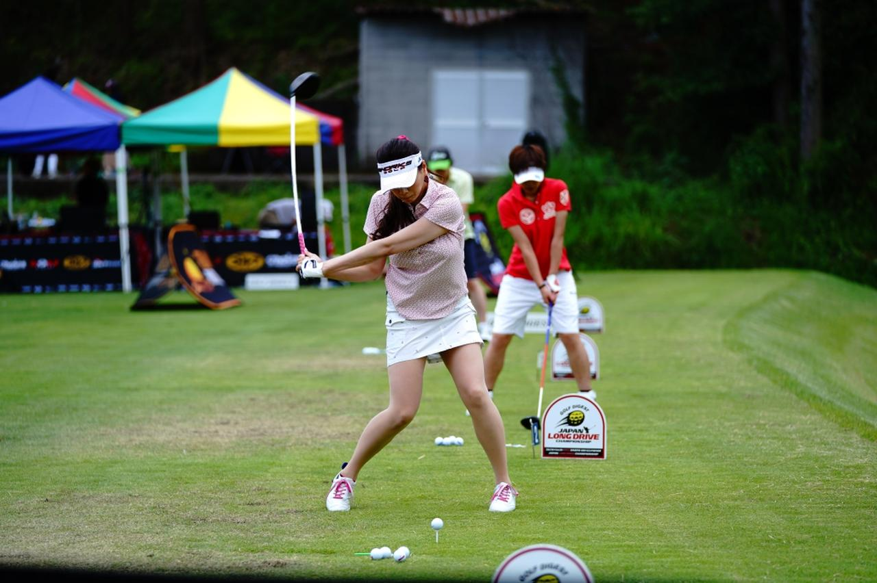 "Images : 11番目の画像 - ""日本一飛ばす受付嬢""林佳世子のドライバー連続写真 - みんなのゴルフダイジェスト"
