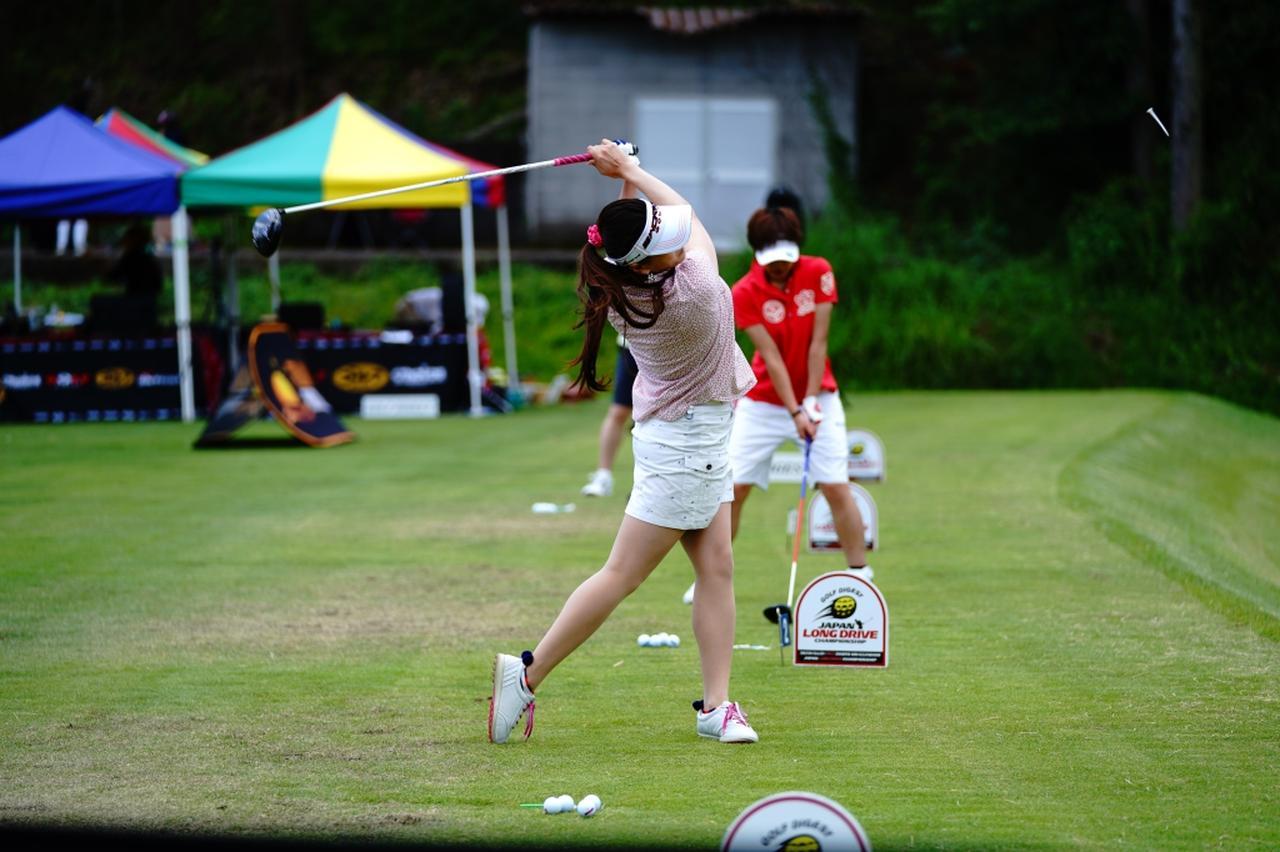 "Images : 16番目の画像 - ""日本一飛ばす受付嬢""林佳世子のドライバー連続写真 - みんなのゴルフダイジェスト"