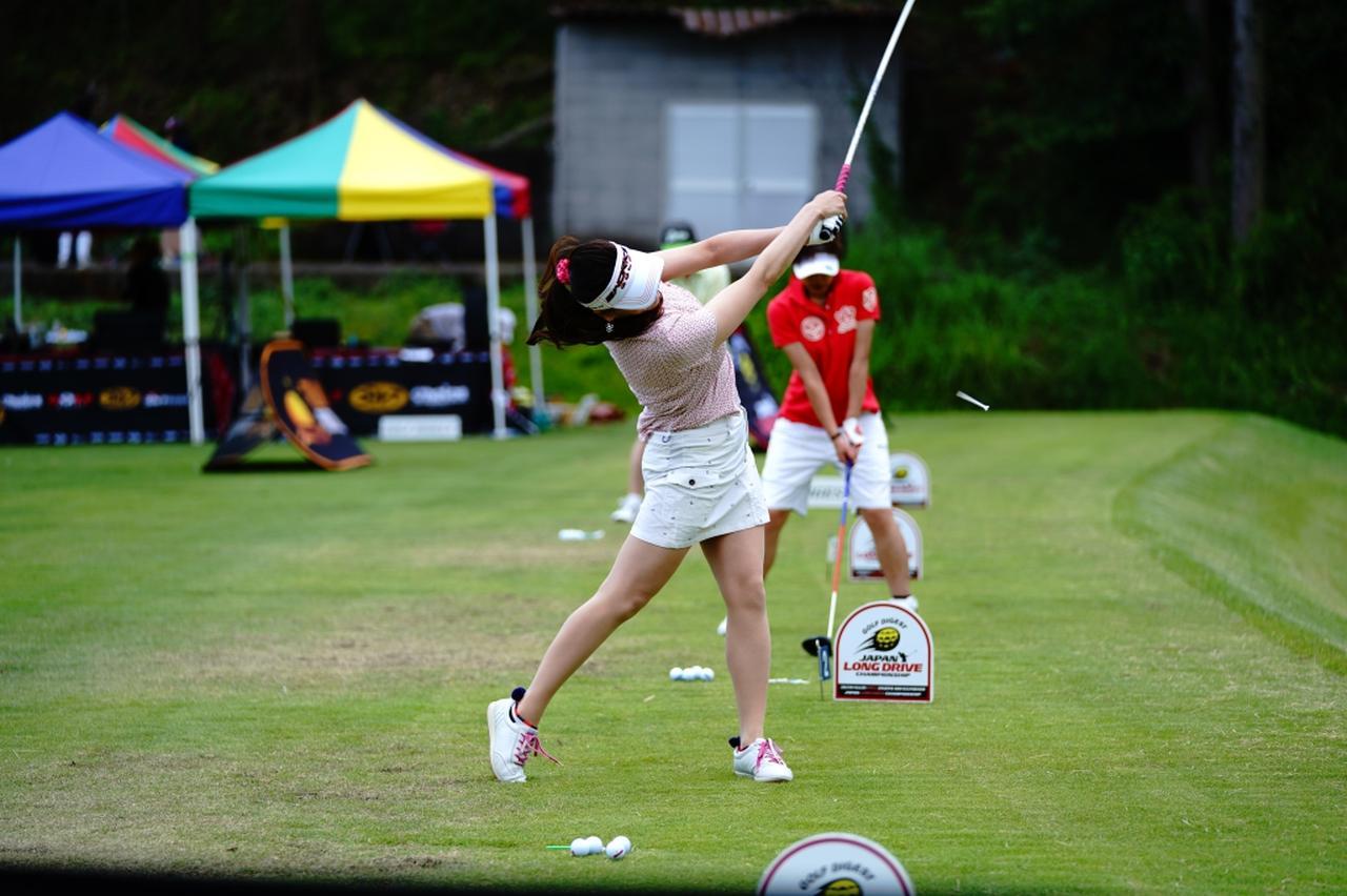 "Images : 15番目の画像 - ""日本一飛ばす受付嬢""林佳世子のドライバー連続写真 - みんなのゴルフダイジェスト"