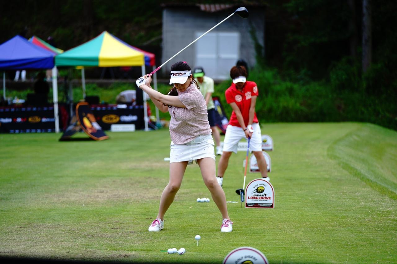 "Images : 10番目の画像 - ""日本一飛ばす受付嬢""林佳世子のドライバー連続写真 - みんなのゴルフダイジェスト"