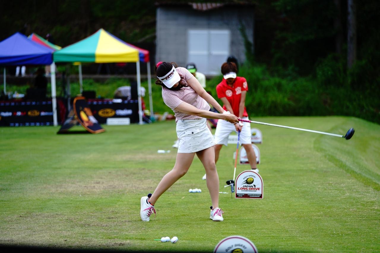 "Images : 14番目の画像 - ""日本一飛ばす受付嬢""林佳世子のドライバー連続写真 - みんなのゴルフダイジェスト"