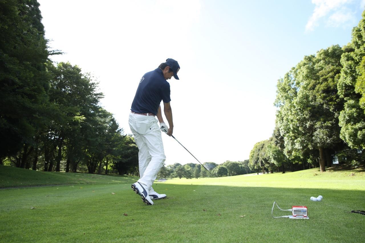 画像: プロゴルファー・中村修が最新シャフト2本を試打。「タイプは違いますが、それぞれ完成度の高いシャフトでした」(中村)