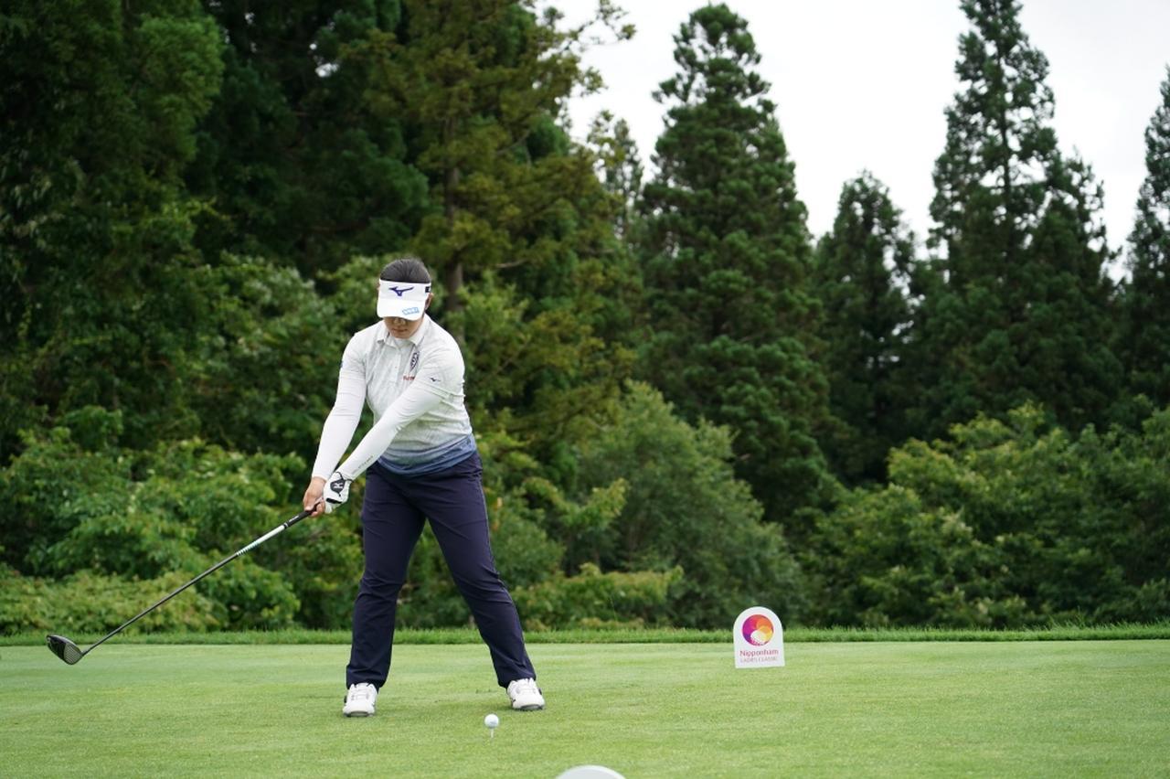 画像 : 2番目の画像 - 川岸史果のドライバー連続写真 - みんなのゴルフダイジェスト