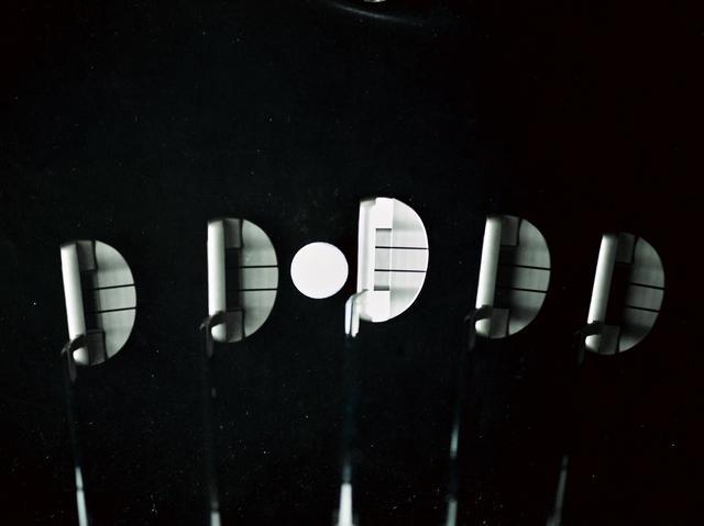 画像: 小型マレットは操作性も高くシャープなイメージ