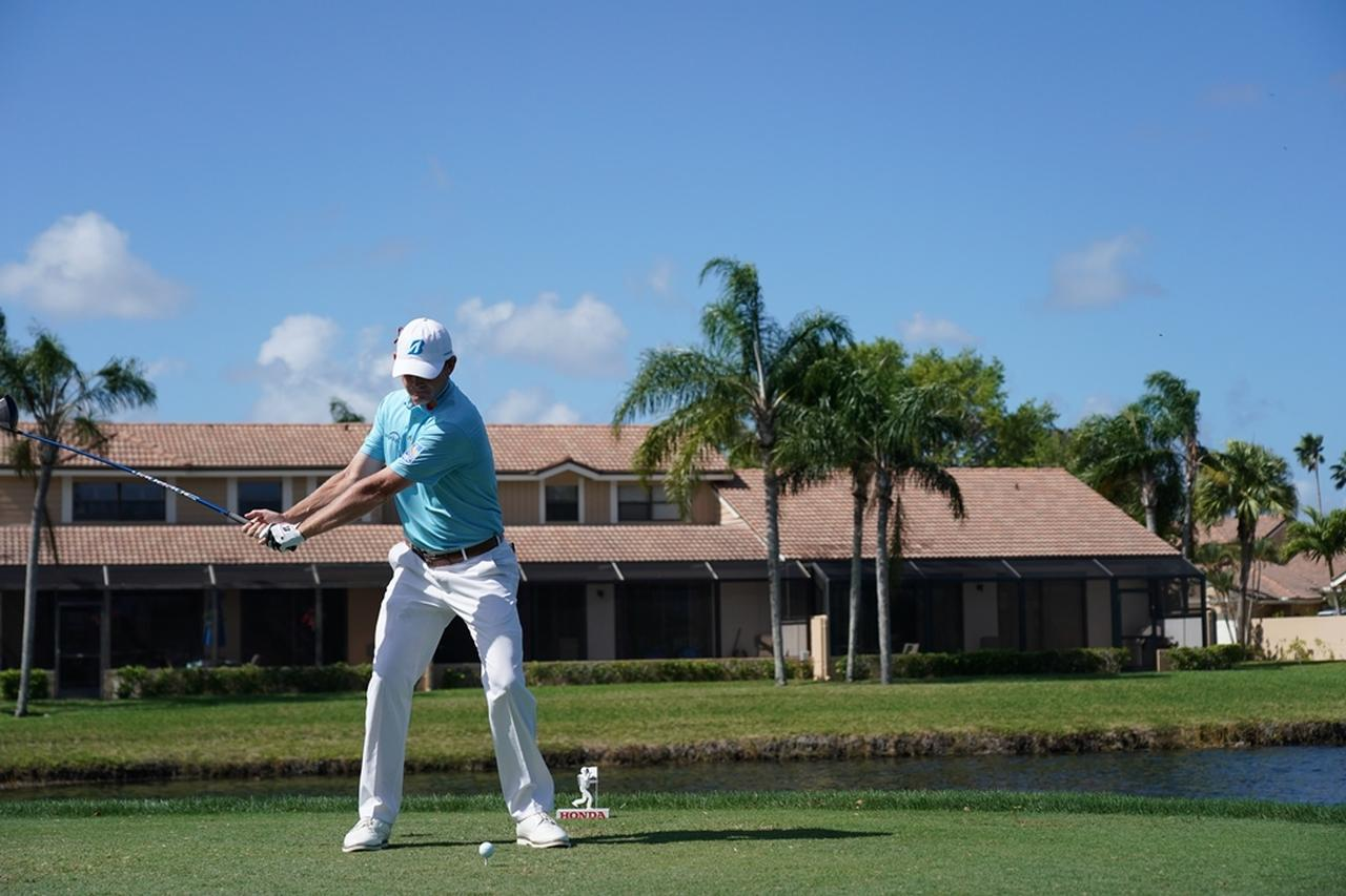 Images : 4番目の画像 - ブラント・スネデカーのドライバー連続写真 - みんなのゴルフダイジェスト