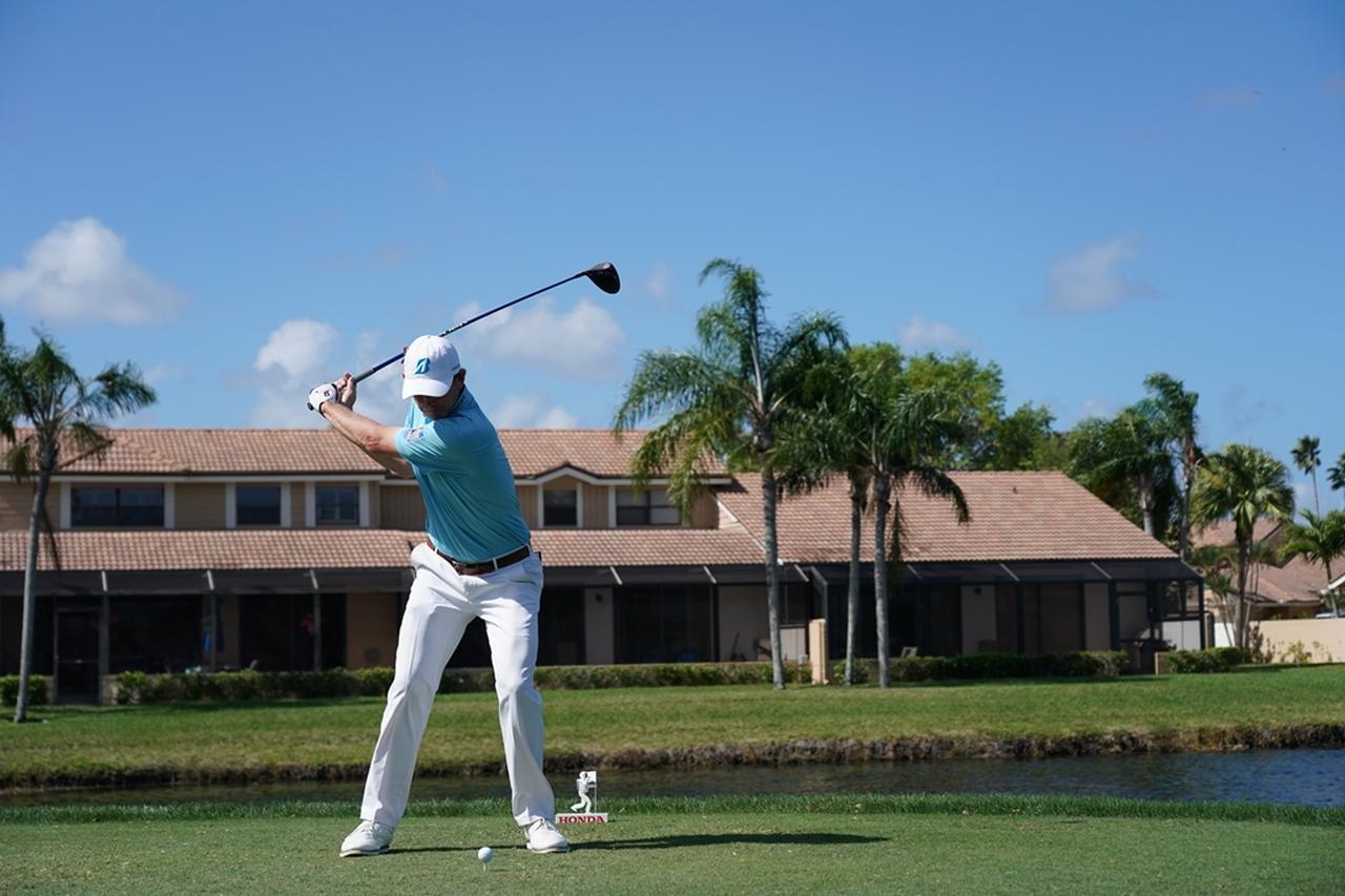 Images : 9番目の画像 - ブラント・スネデカーのドライバー連続写真 - みんなのゴルフダイジェスト