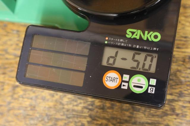 画像: 専用の機械で測る。この表示だとD5だ