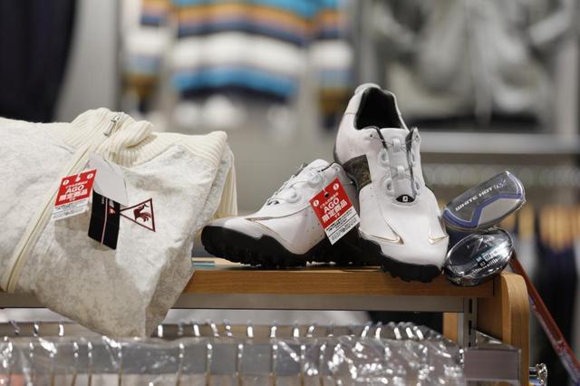 画像: 「AGO」限定商品の試着や受け取りも可能。オンラインショップと連動した新しい取り組みだ