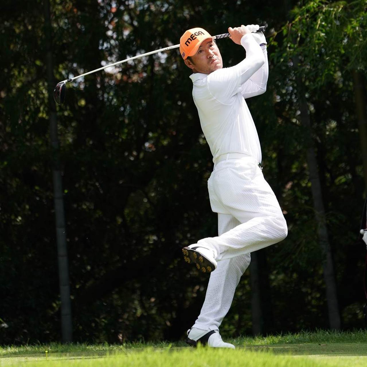 真面目にゴルフをしています」ネ...
