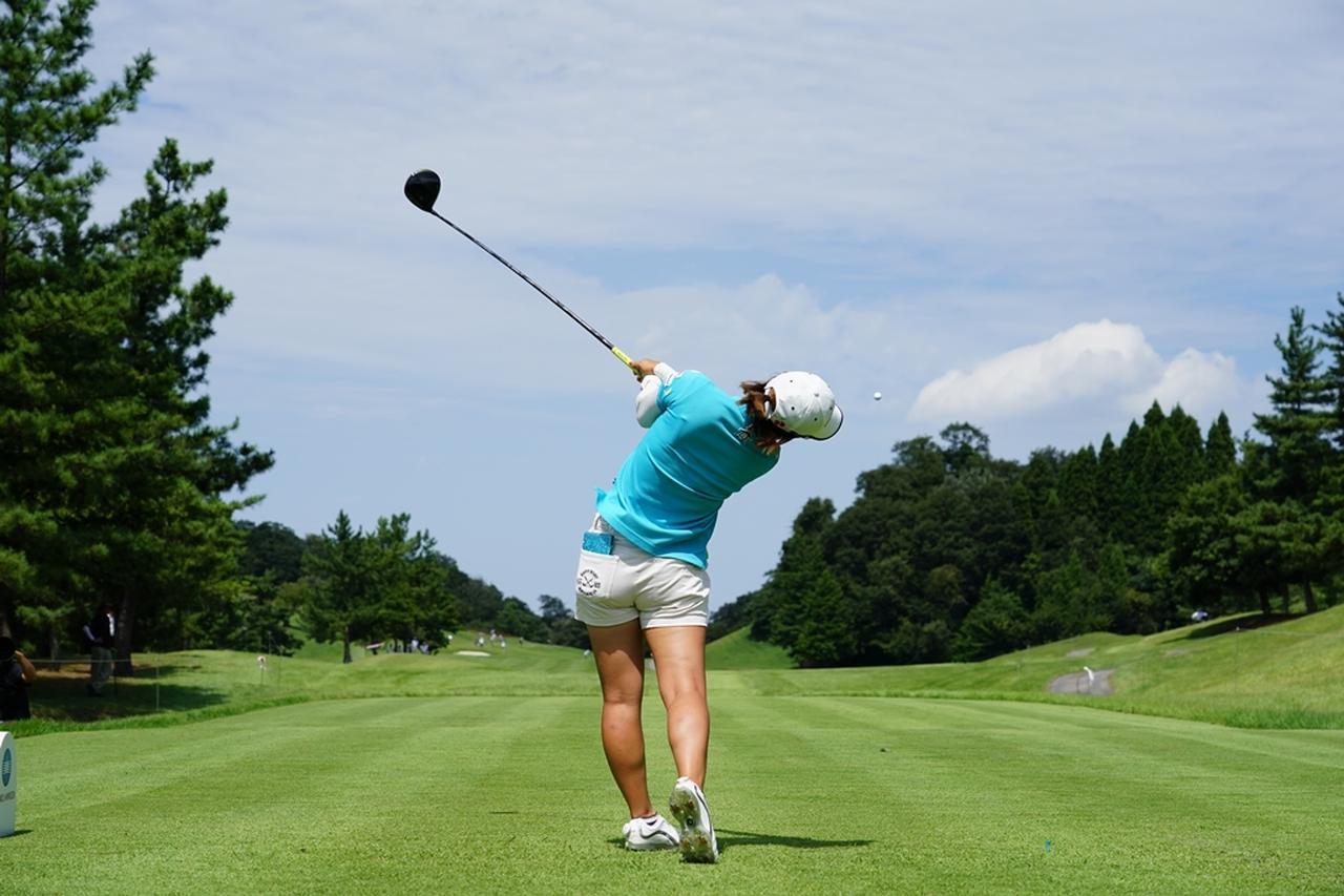 Images : 16番目の画像 - 大江香織のドライバー連続写真 - みんなのゴルフダイジェスト