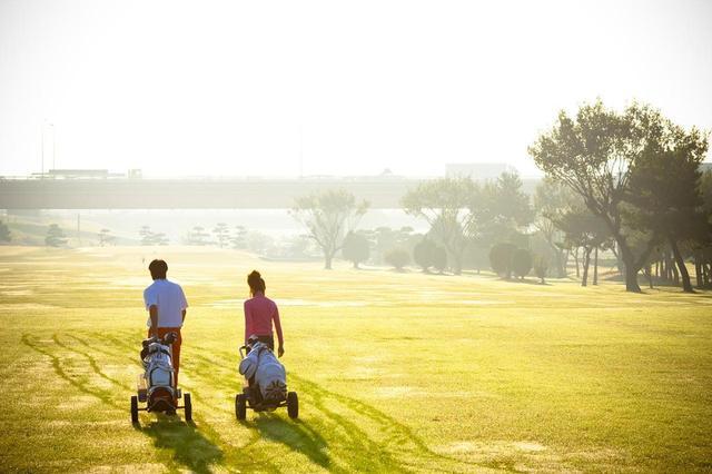 画像: 思い立ったときにすぐ行けるのも、河川敷ゴルフのメリットだ