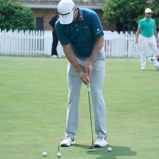 画像: 練習グリーンで地味な練習を繰り返すローズ。その技術はたゆまぬ努力によって培われたもの(写真は2018年の全米プロゴルフ選手権 撮影/姉崎正)