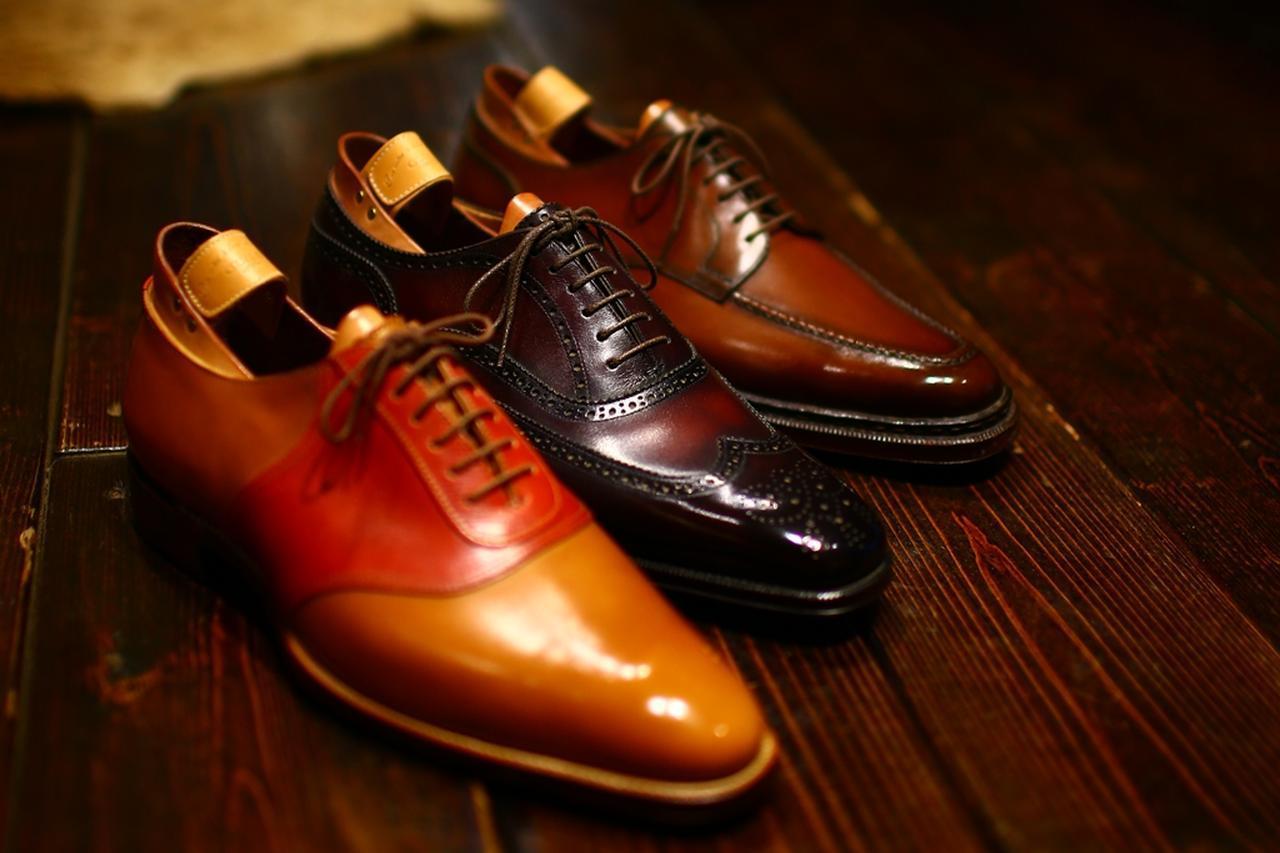 画像: 昔のゴルフシューズは革靴タイプが主流だった。適度な重みで踏ん張りがききやすい(撮影/三木崇徳)