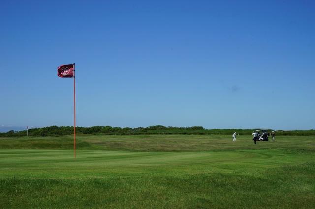 画像: 地元ゴルファーのやさしさに触れた筆者たち
