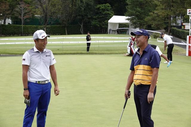 画像: 日本オープンでキャリア初優勝を果たした稲森(写真左)に続き、今平も今季初勝利。谷口を慕う若手プロたちの優勝が続いている